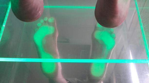 Na czym powinno polegać badanie stóp?